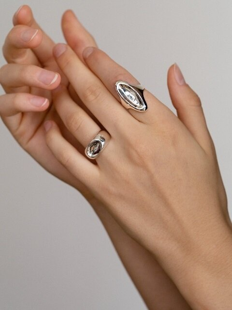 Vestige oval ring