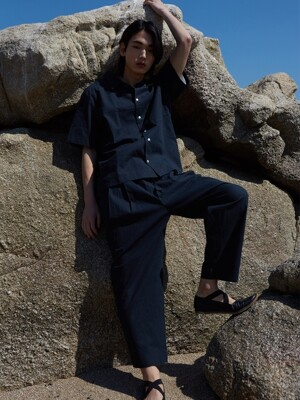 LINEN CROP PANTS_deep ocean navy