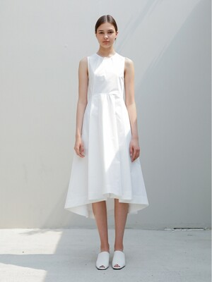 Sleeveless Flare Dress/White