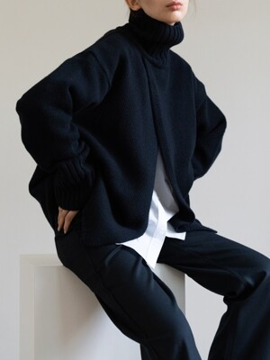 open turtleneck (dark navy)
