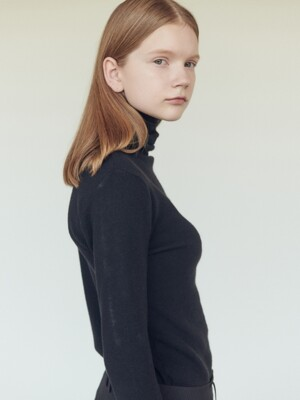19FN basic turtleneck [BK]