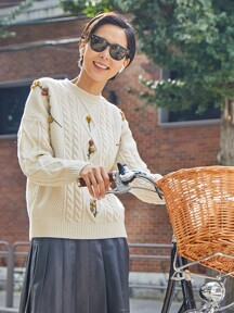 CAMELLIA cable flower sweater (Cream)