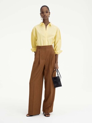 PLEATED WIDE LEG TROUSERS (CAMEL)