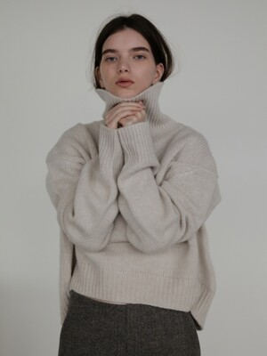 ALL CASHMERE SWEATER (LIGHT OATMEAL)