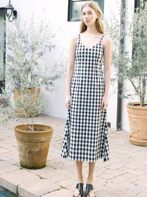 [20SS] SANTA BARBARA v neck sleeveless maxi dress  (Black and white gingham check)