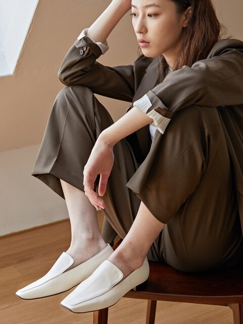 20mm Tilda Minimal Loafer Shoes (Off White)