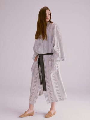 STITCH STRIPE OVERSIZED ROBE_BLACK