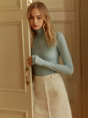 See Through Turtle Neck Top in Blue_VW9WE0850