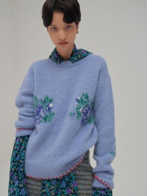 NOTA Stich-pointed Flower Motif Crewneck Knit Pullover