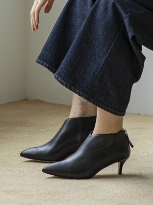 BJB19409 SEMI POINT ANKLE BOOTS BLACK