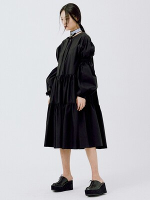 TWO VOLUME SLEEVE DRESS BLACK