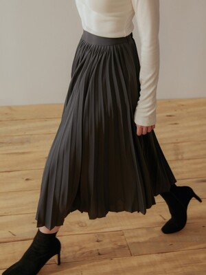 LUSTER PLEATS SKIRT CHARCOAL