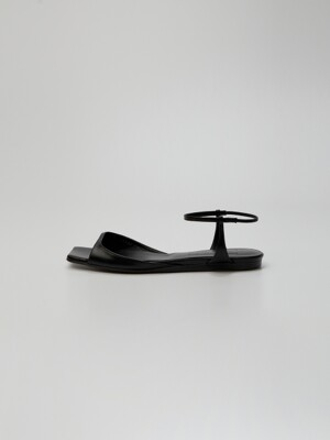 PEPE Squared toe Leather Flat Sandals Black