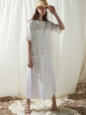 Short pleated one peice - White