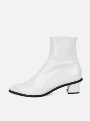 INCISION POINTED ANKLE BOOTS - WHITE