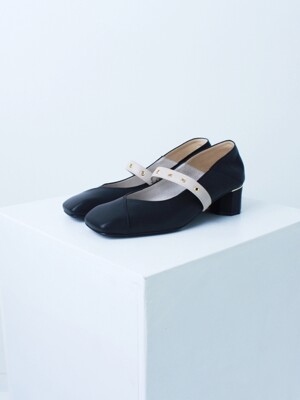 Square Toe Shoes (Black+Ivory)