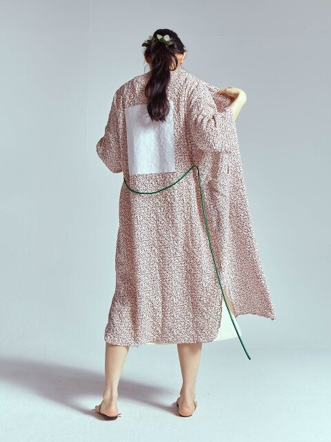 LONG ROBE WITH SMALL FLOWER