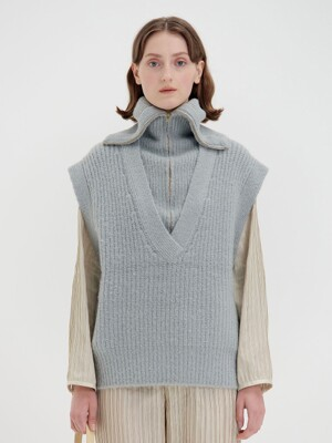 QIQI Zip-detailed Turtleneck Vest - Grey