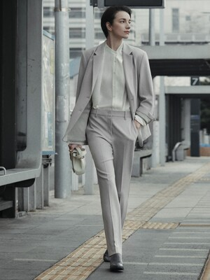 [Drama Signature] Slim Straight Trousers_PALE KHAKI