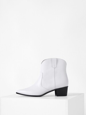 WESTERN ANKLE BOOTS - WHITE