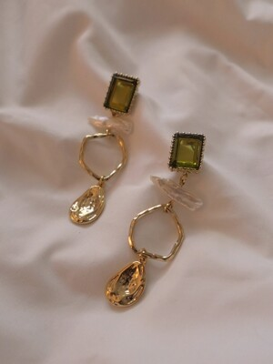 carry earring