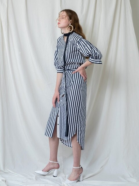 PIN STRIPE SHIRT POINT SKIRT_NA